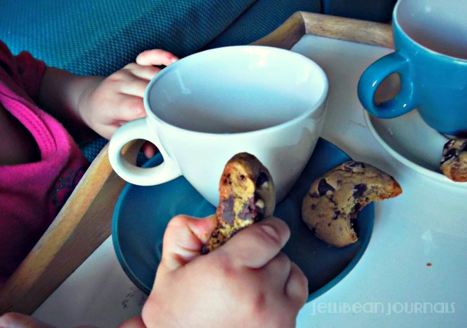 Nigella's Chocolate Chippers brimming with chips! #cookies | JellibeanJournals.com