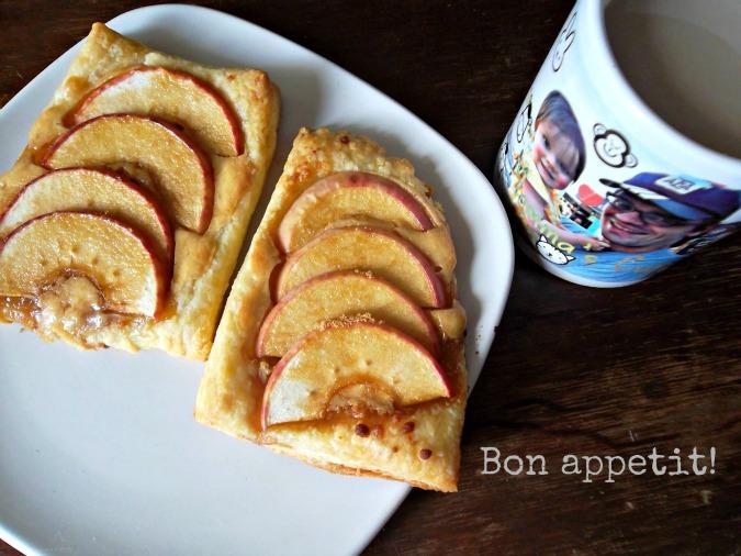 Apple Cheesecake Breakfast Tarts