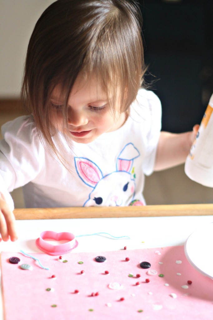 toddler-art-project-gluing