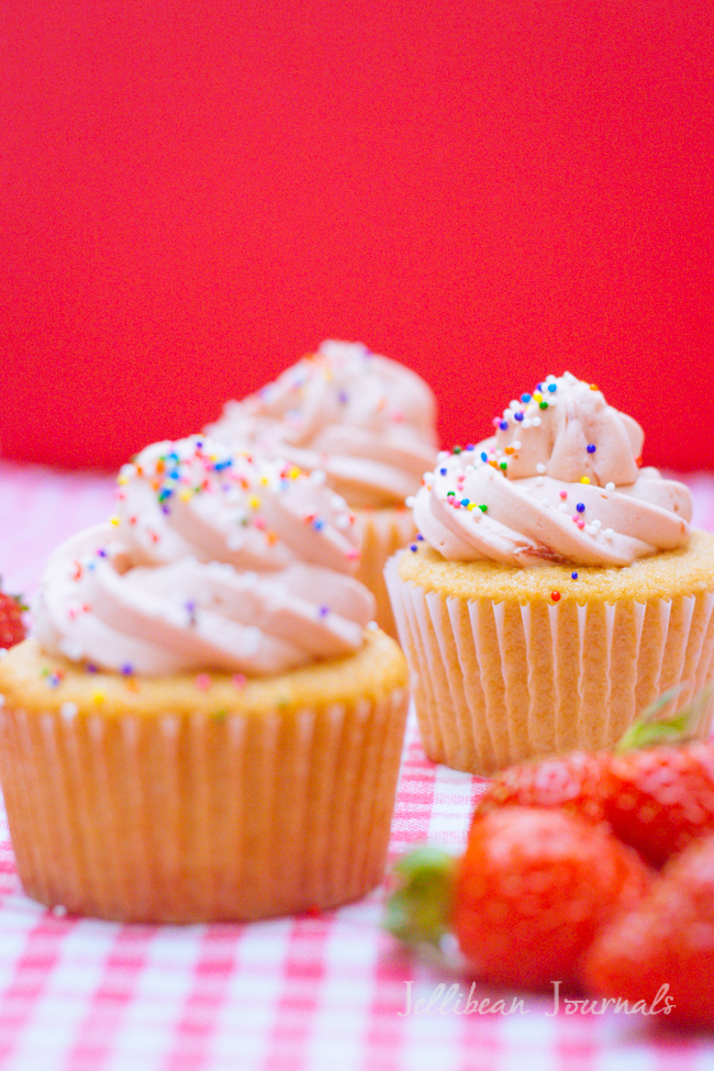 Cream Cheese Pound Cake Cupcakes-2