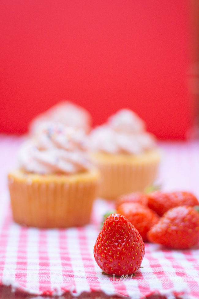 Cream Cheese Pound Cake Cupcakes-3