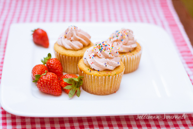 Cream Cheese Pound Cake Cupcakes1-2