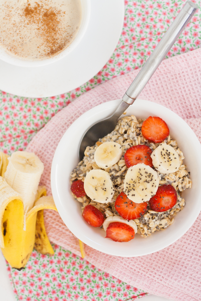 Make-Ahead Soaked Chia Oats Breakfast | Jellibeanjournals.com