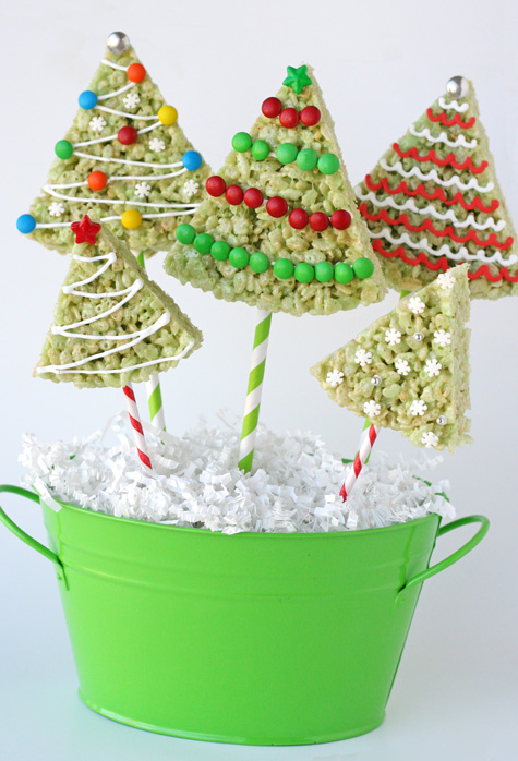 10 No-Bake Christmas Cookies for a fast-fix #holiday. #christmas #cookies #nobake at JellibeanJournals.com