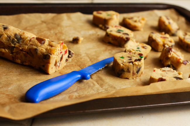 Fruitcake Cookies~ a truly edible version of #fruitcake from Jellibean Journals #cookies #christmas