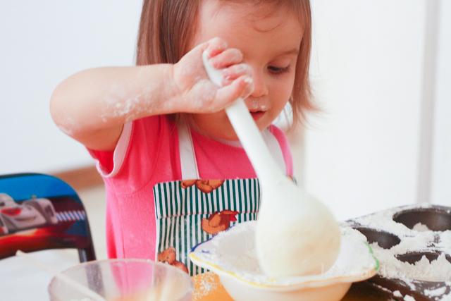 fall playdough recipes | jellibeanjournals.com