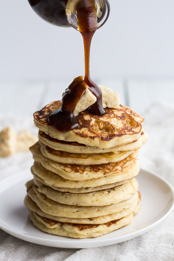 Pancakes RULE! Delicious #pancake recipe roundup at Jellibean Journals