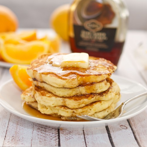 Pancake Recipes Galore! A tasty breakfast roundup at JellibeanJournals.com #pancakes #breakfast