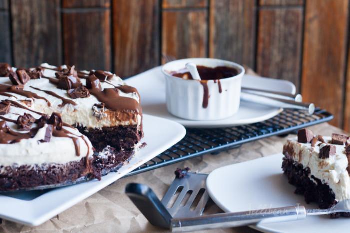 Chocolate Mint Brownie Cheesecake   Jellibeanjournals.com