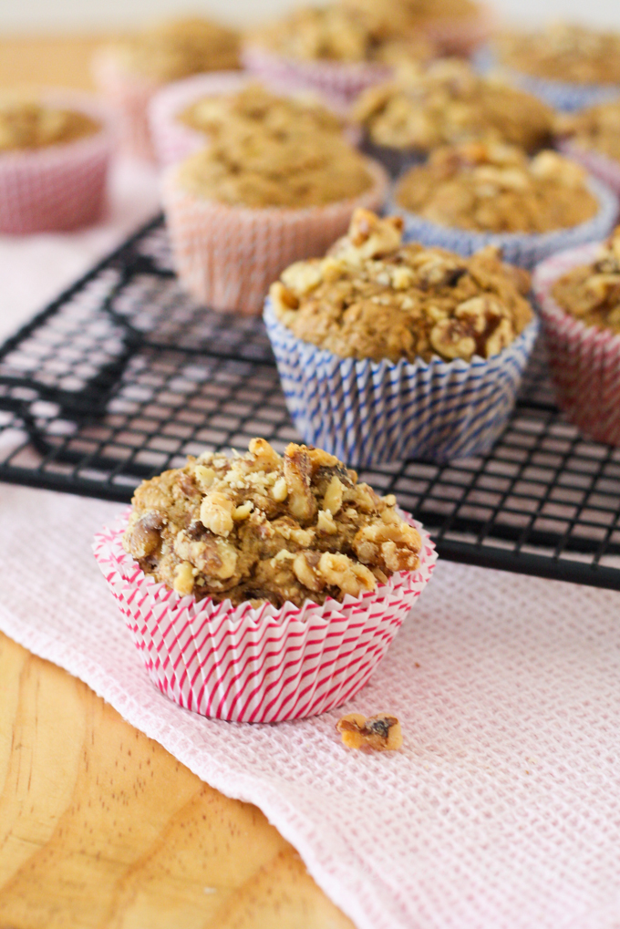 healthy-banana-nut-muffin