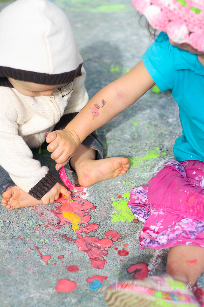 diy-sidewalk-paint-recipe-for-kids-3