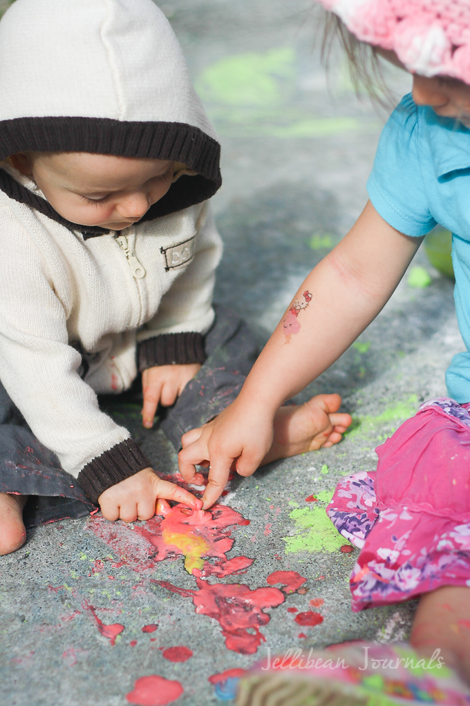 diy-sidewalk-paint-recipe-for-kids-4