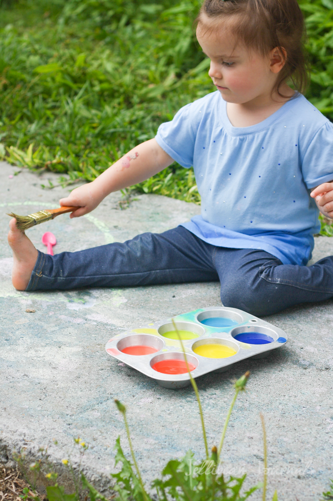 homemade-sidewalk-paint-recipe-2