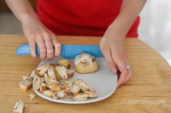 Cinnamon Roll Ice Cream | Jellibeanjournals.com