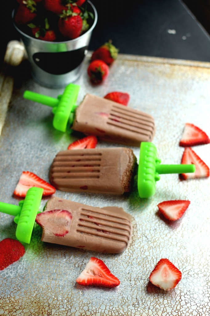 Stawberry-Nutella-Popsicles3-682x1024