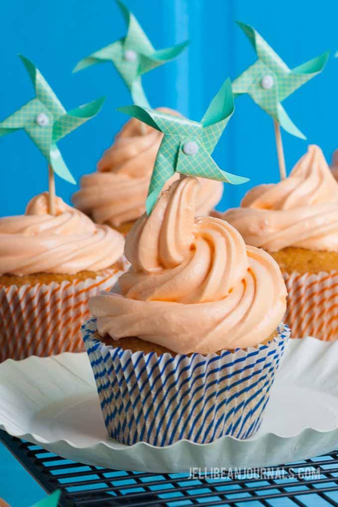 orange creamsicle cupcake recipe | jellibeanjournals.com