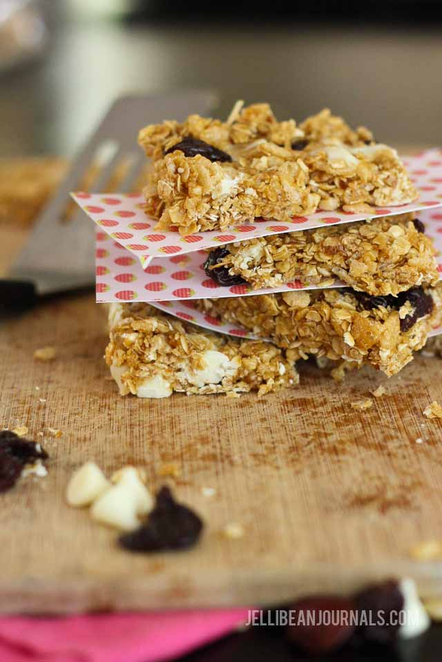 white chocolate cherry granola bars-14-2