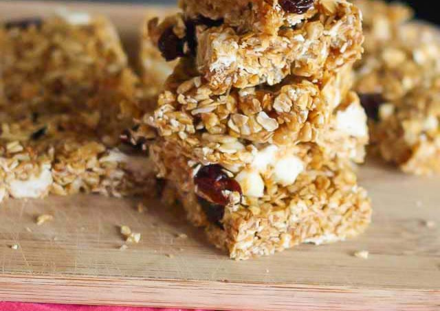 No-Bake White Chocolate Cherry Granola Bars