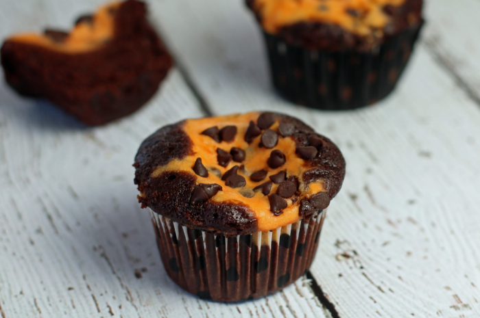 Chocolate-Cupcakes-with-Pumpkin-Cheesecake-filling-1024-pmps-full