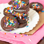 Copycat Girl Scout Thin Mint Cookies. 3 ingredients! jellibeanjournals.com