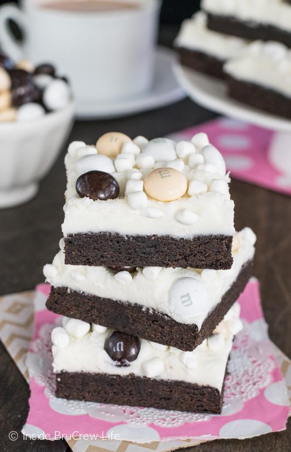 Mocha-Hot-Chocolate-Cookie-Bars-inside brucrew life