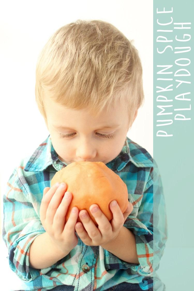 Pumpkin Spice Playdough and more fall scented playdough recipes | jellibeanjournals.com