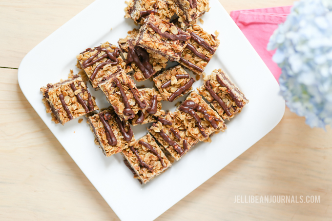 no-bake chocolate peanut butter squares | Jellibeanjournals.com