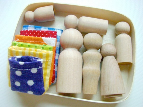 family box wooden people